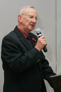 TIM TANSER, CHAIRMAN AND LUNCHEON ORGANISER (ADDRESSING THOSE ATTENDING THE LUNCHEON) (Photo Benny Leon)